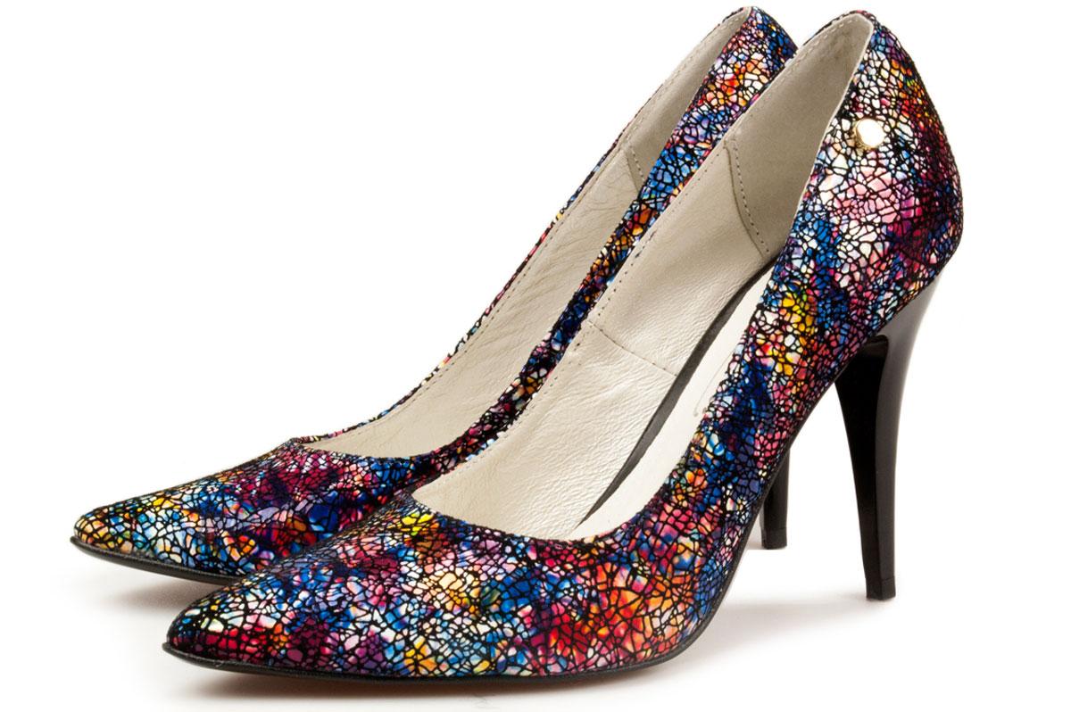Domowe sposoby na uwierające buty