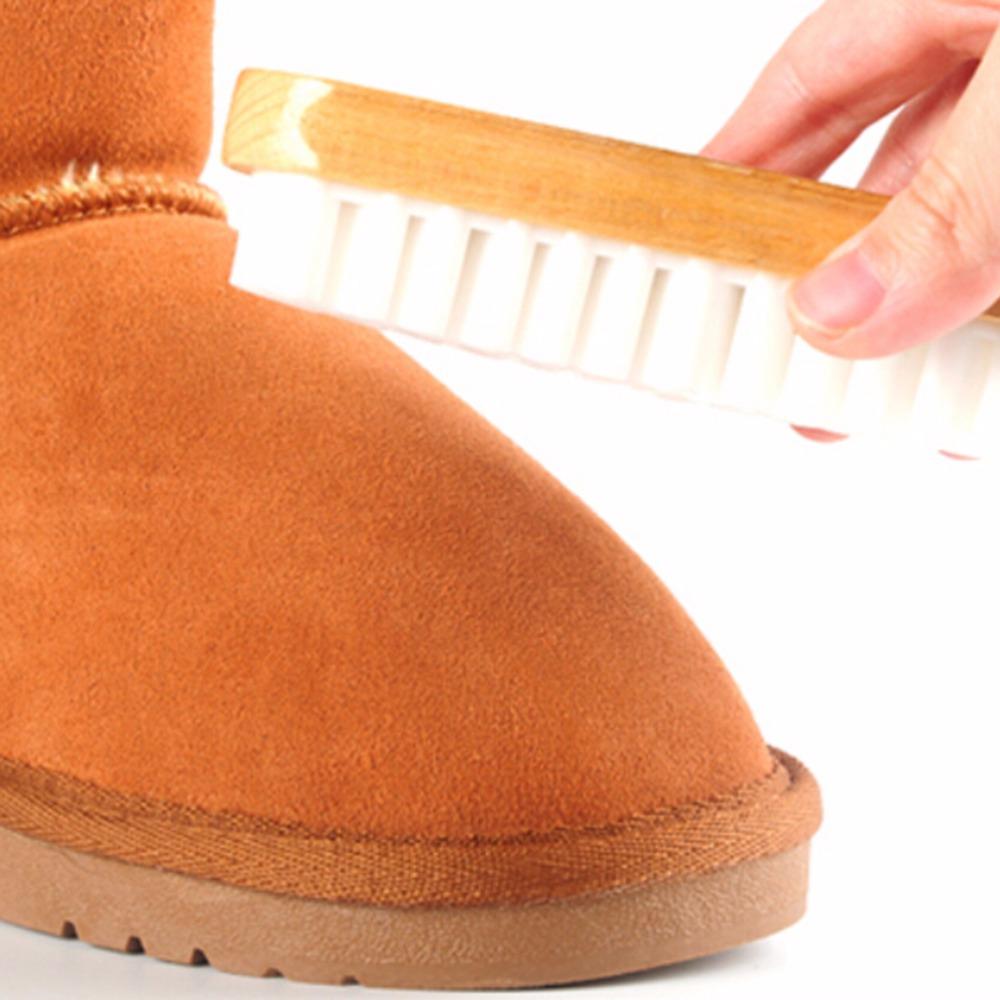 W jaki sposób czyścić zamszowe buty?