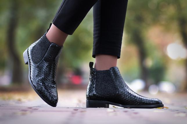 Najlepsze buty na okres przejściowy dla każdej kobiety — modne sztyblety