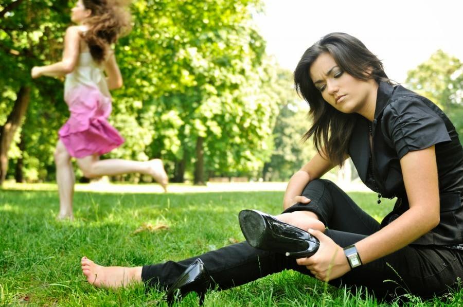 Co zrobić, żeby letnie buty nie obcierały?