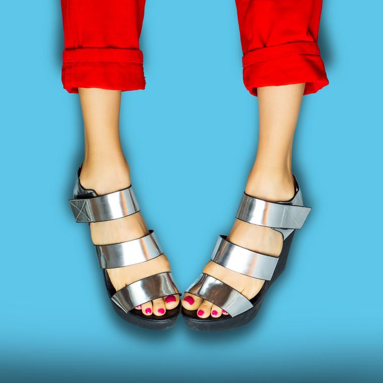 Jak dobrać idealne dla siebie sandałki? Masywne łydki, haluksy, krótkie nogi 😱