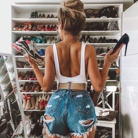 Buty z zamszu czy skóry ekologicznej?