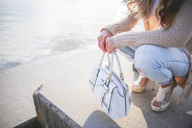 Jak dobrać buty do torebki?
