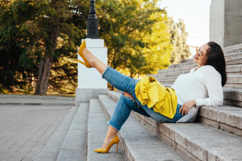 Modne buty damskie dla puszystych. Zobacz, które modele wyszczuplą nogi i dodadzą ci szyku