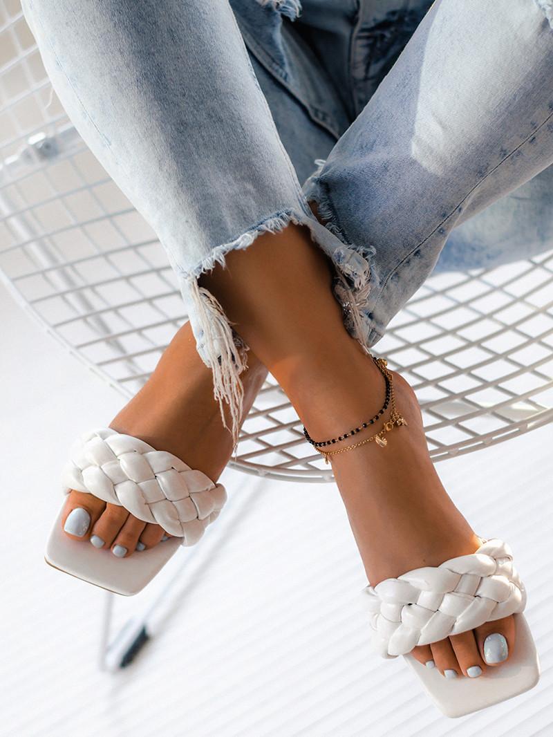 Klapki – idealne buty na letnie dni