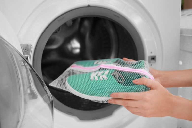 Jak prać buty w pralce i ręcznie?
