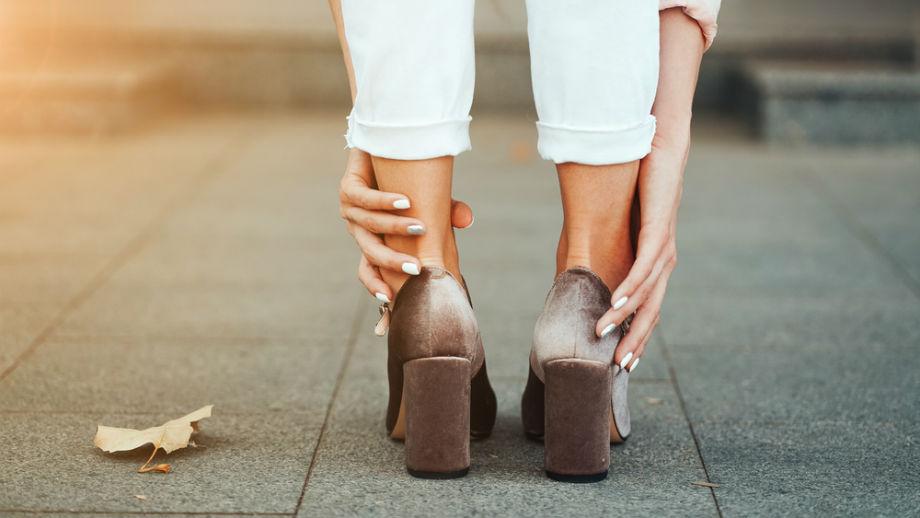 Ciasne buty? Sposoby na ciasne obuwie